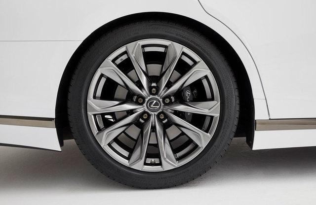 17-04-10-lexus-ls-f-sport-wheels.jpg