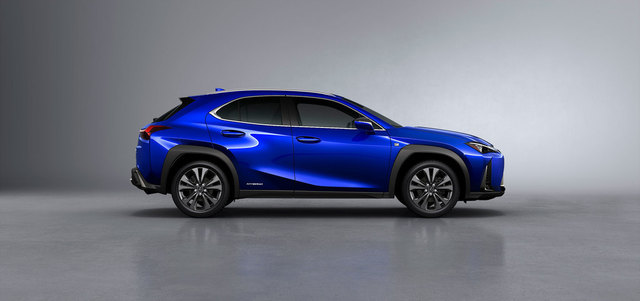 18-03-06-gallery-lexus-ux-reveal-30.jpg
