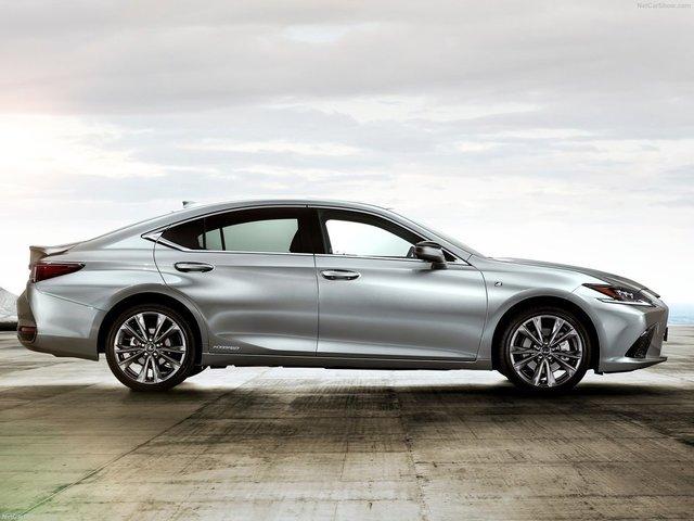 Lexus-ES-2019-1600-0f.jpg