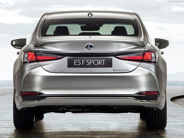 Lexus-ES-2019-1600-1d.jpg