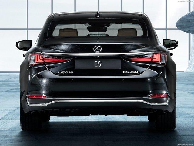 Lexus-ES-2019-1600-1e.jpg