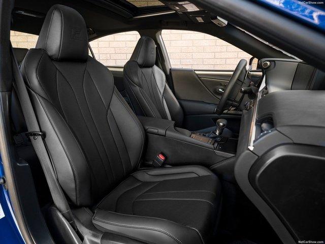 Lexus-ES-2019-1600-25.jpg