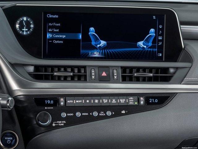 Lexus-ES-2019-1600-35.jpg