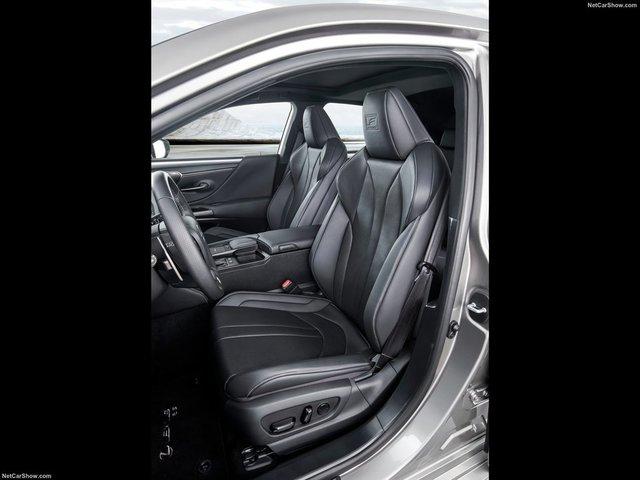 Lexus-ES-2019-1600-47.jpg