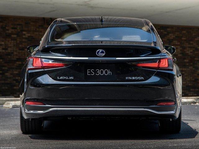 Lexus-ES-2019-1600-64.jpg