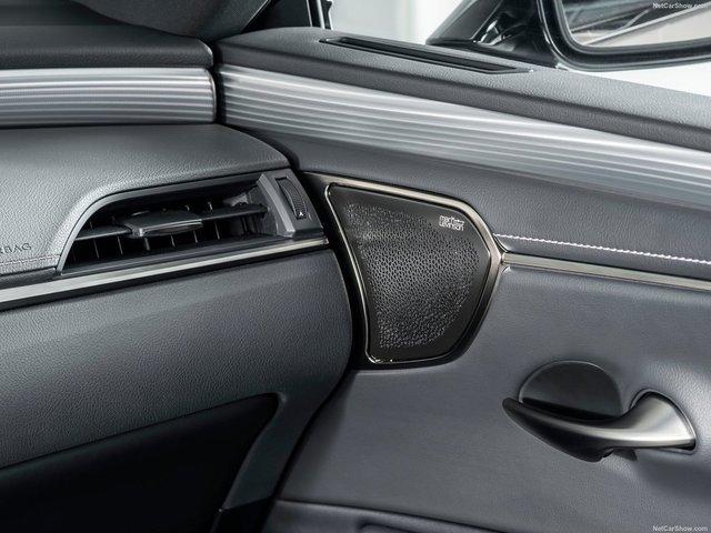 Lexus-ES-2019-1600-bd.jpg