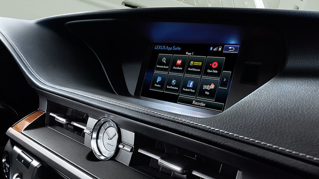 Lexus-ES-hybrid-interior-enform-overlay-1204x677-LEX-ESH-MY18-0004.jpg
