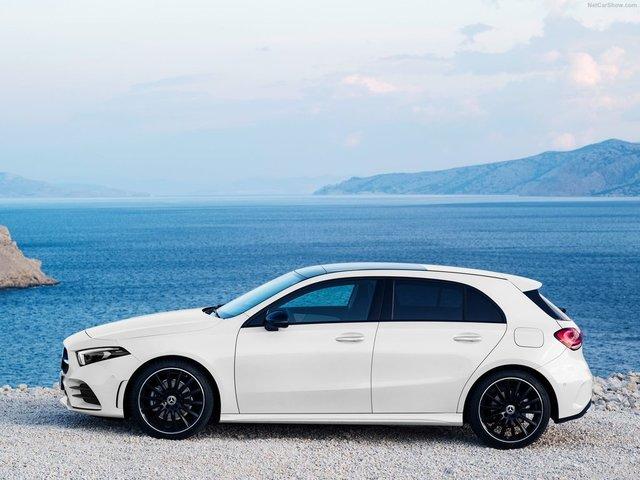 Mercedes-Benz-A-Class-2019-1600-16.jpg