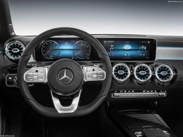 Mercedes-Benz-A-Class-2019-1600-33.jpg