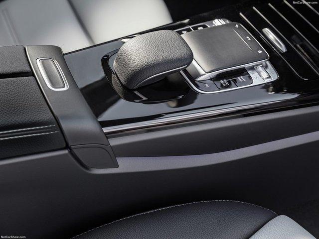 Mercedes-Benz-A-Class-2019-1600-43.jpg