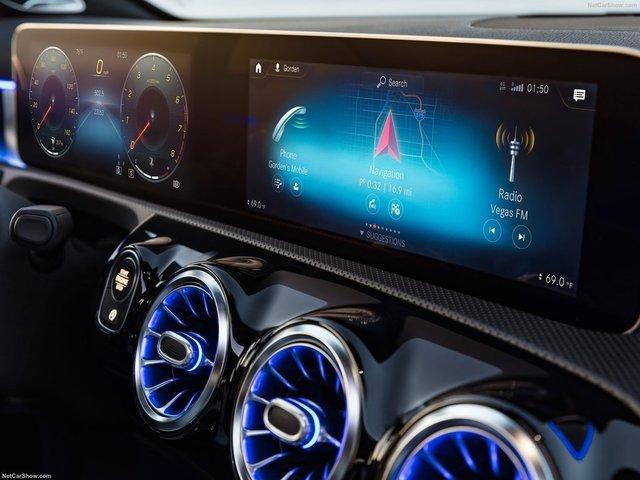 Mercedes-Benz-A-Class-2019-1600-46.jpg