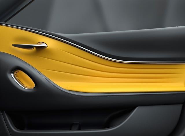 th_lc-yellow-edition-door.jpg