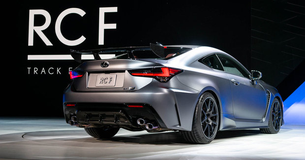 19-01-23-lexus-rc-f-track-rear-2.jpg