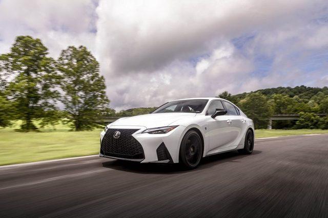 2021_Lexus_IS_350_F-Sport_Ultra_White_040-1500x1000.jpg