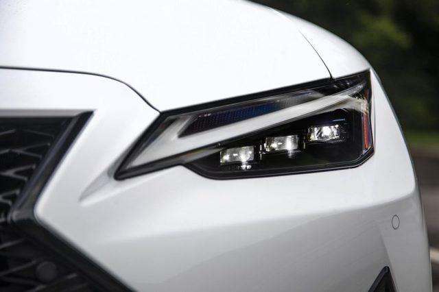 2021_Lexus_IS_350_F-Sport_Ultra_White_044-scaled.jpg