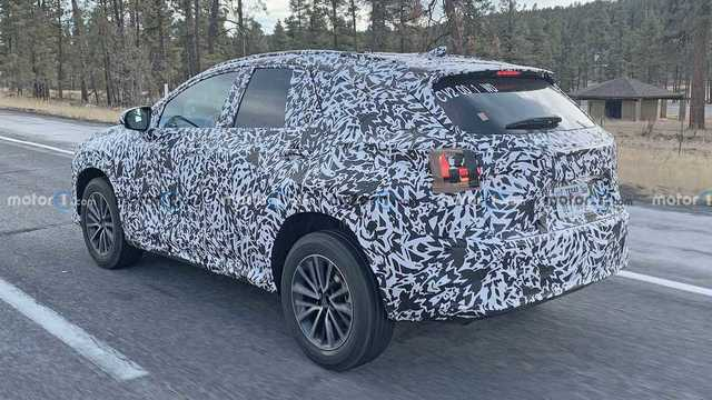 2022-lexus-nx-rear-spy-photo.jpg