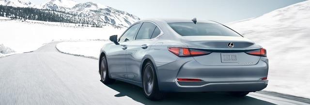Lexus-ES-allweatherperformance-thumbnail-desktop-1440x490-LEX-ESG-MY21-0045-02_M75.jpg