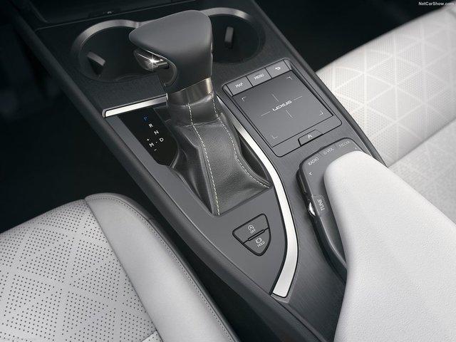 Lexus-UX-2019-1600-2b.jpg