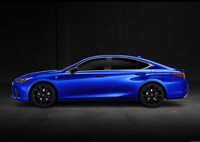 th_2021_Lexus_ES_Black_Line_SE_001-2048x1463.jpg
