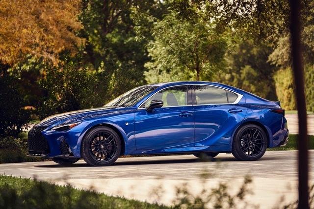 th_2021_Lexus_IS_350_F-Sport_Ultrasonic_Blue_Mica_2.0_059.jpg