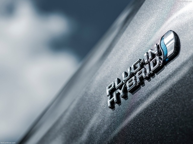 th_Toyota-RAV4_Plug-in_Hybrid-2021-1600-82.jpg